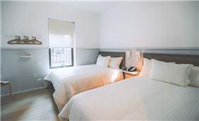 Premium 2 Full Beds